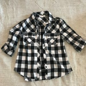 Long-Sleeved Black/White Plaid Button-Up Shirt (S)